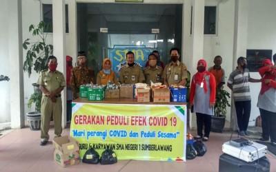 SMAN 1 Sumberlawang Sragen Salurkan Paket Sembako, Hand Sanitizer, Disinfektan dan Masker Gratis Bagi Warga Tak Mampu